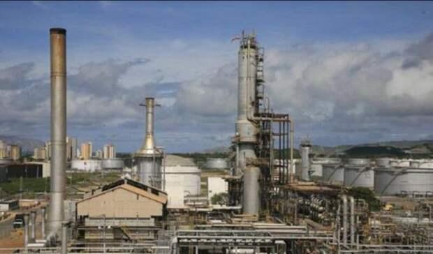Венесуэла восстановила работу двух НПЗ