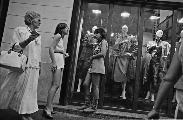 Труженицы секс-индустрии с улицы Сен-Дени. Фотограф Массимо Сормонта 24