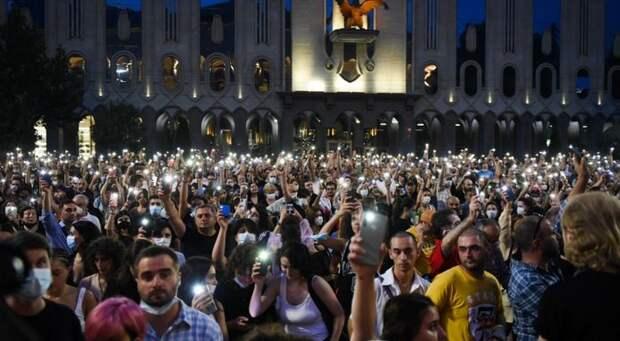 Новая «сакральная жертва» в Грузии: Тбилиси накрыли протесты