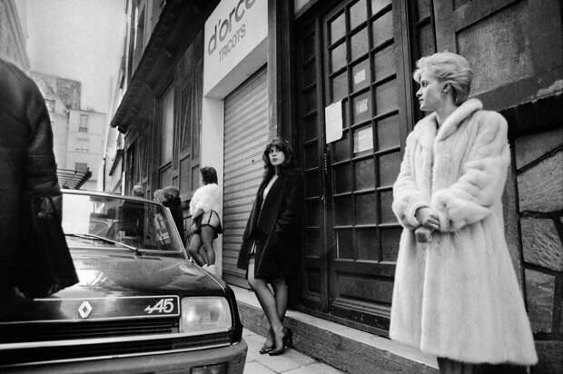 Труженицы секс-индустрии с улицы Сен-Дени. Фотограф Массимо Сормонта 9