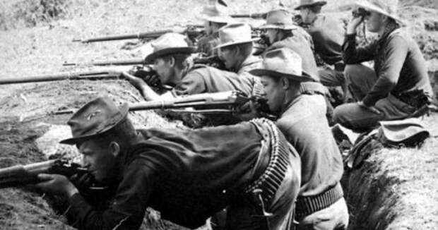 US-troops-in-action-vs-Filipinos-1899