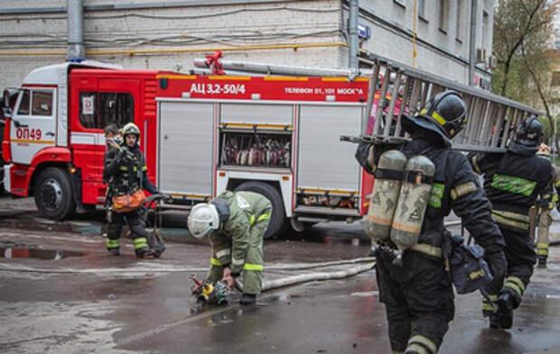 Двое погибших: подробности пожара в московской гостинице