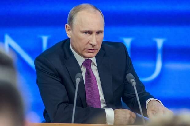 Путин запретил чиновникам иметь иностранное гражданство