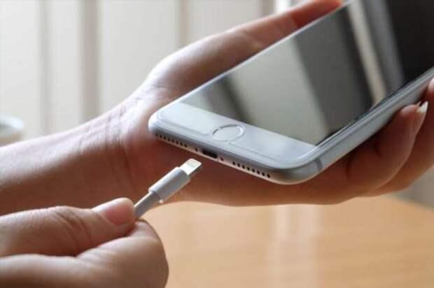 Где не стоит заряжать свой смартфон