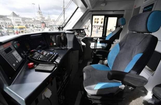 В России создан полностью отечественный пассажирский поезд «Иволга 3.0»