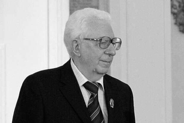 Известный российский вирусолог найден мертвым в московской квартире
