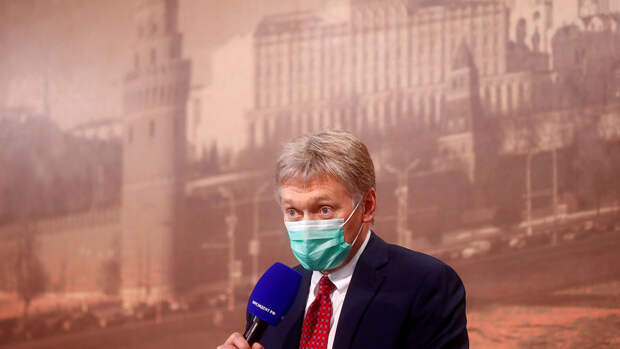 В Кремле оценили идею Михалкова лишать гражданства за призывы к санкциям