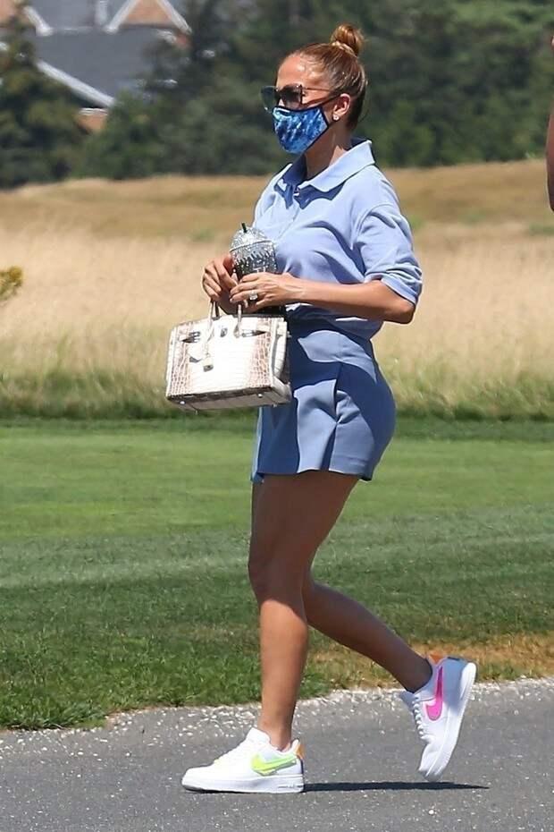 Дженнифер Лопес, вы захотите носить только голубой цвет