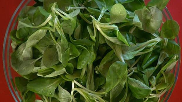 Салат корн обладает изысканным сладковато-ореховым вкусом