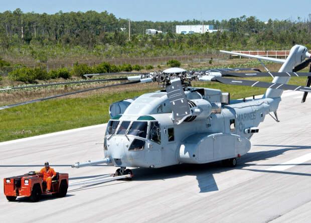 Американские морпехи получили крупнейший в США вертолет