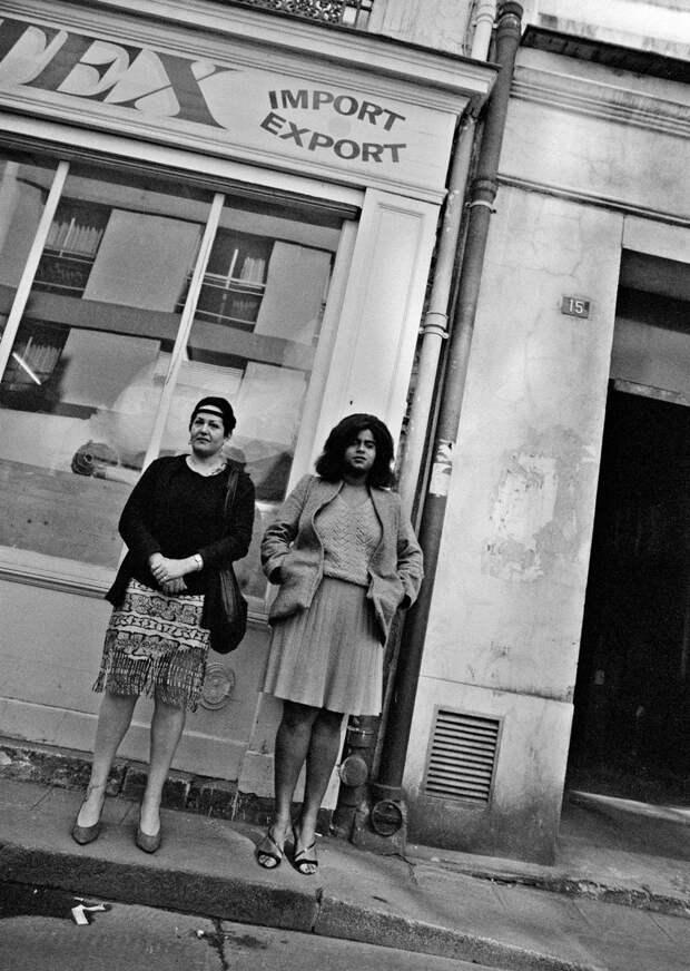 Труженицы секс-индустрии с улицы Сен-Дени. Фотограф Массимо Сормонта 18