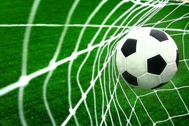 soccer-football-ball-in-goal-net-o