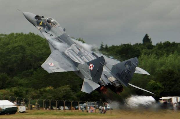 Легендарный МиГ-29: зависание свечкой в воздухе