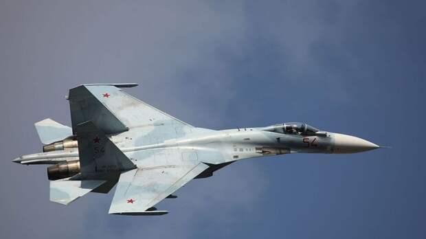 Российский Су-27 перехватил самолеты США и Швеции над Балтийским морем