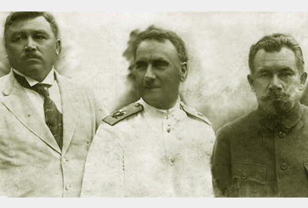 Временное Приамурское правительство. Слева направо: министр иностранных дел Н.Д. Меркулов, адмирал Г.К. Старк, председатель С.Д. Меркулов.