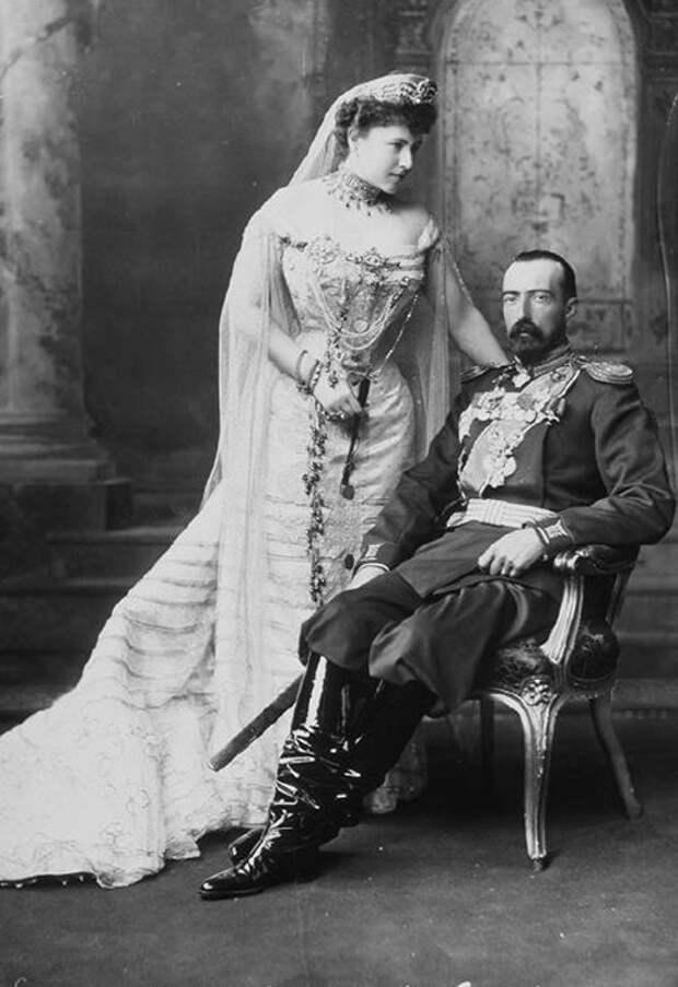 Великий князь Михаил Михайлович (брат Николая) с женой Софией, внучкой Пушкина (морганатический, но очень счастливый брак)