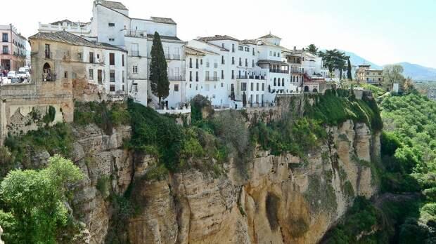 Ronda 3 Ронда: город на скалах и душа Андалусии