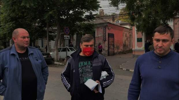 Крымских активистов суд оштрафовал за предусмотренные законом пикеты