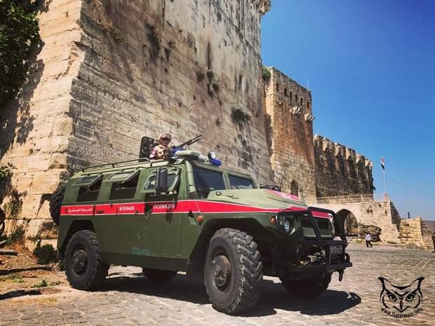 Военная полиция РФ выполнила в Сирии подталкивающий курдов маневр