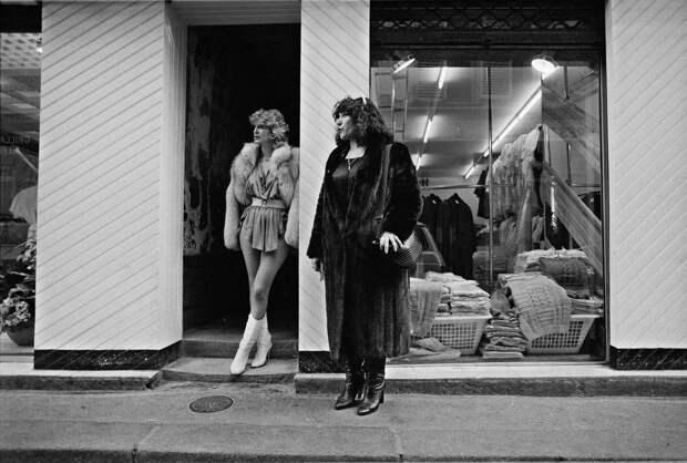 Труженицы секс-индустрии с улицы Сен-Дени. Фотограф Массимо Сормонта 37