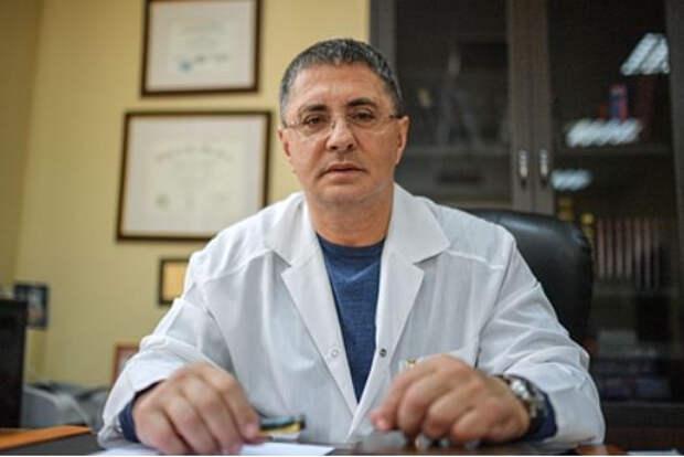Мясников высказался о связи вакцин от коронавируса и тромбозов