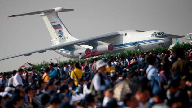 Российский самолет Ил-76МД