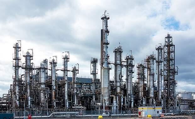 Мы должны освоить гораздо более мощную и более глубокую переработку нефти.