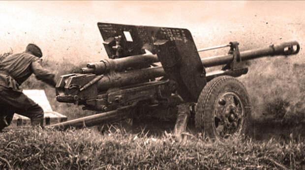 Один солдат против танковой колонны, которому немцы отдали честь