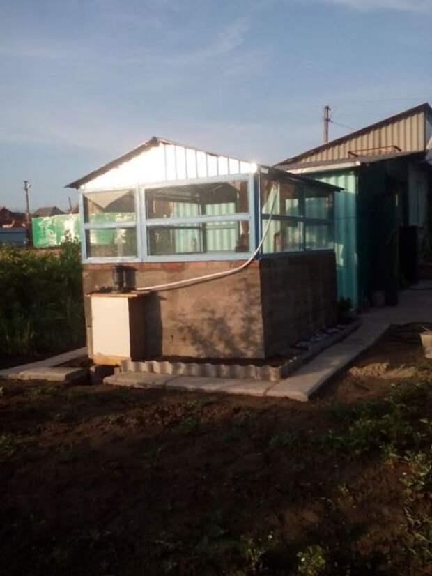 Бюджетный вариант крытого бассейна во дворе (3 фото)