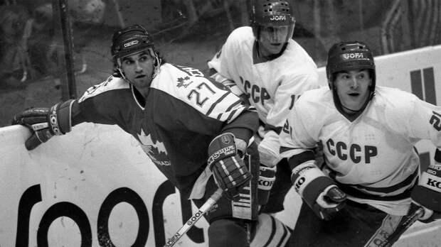 Последний гол великой сборной СССР. В1991-м Семак забил Канаде ивскоре «Красной машины» нестало