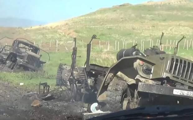 Минобороны Азербайджана показало взятый Горадиз и сожжённую технику противника