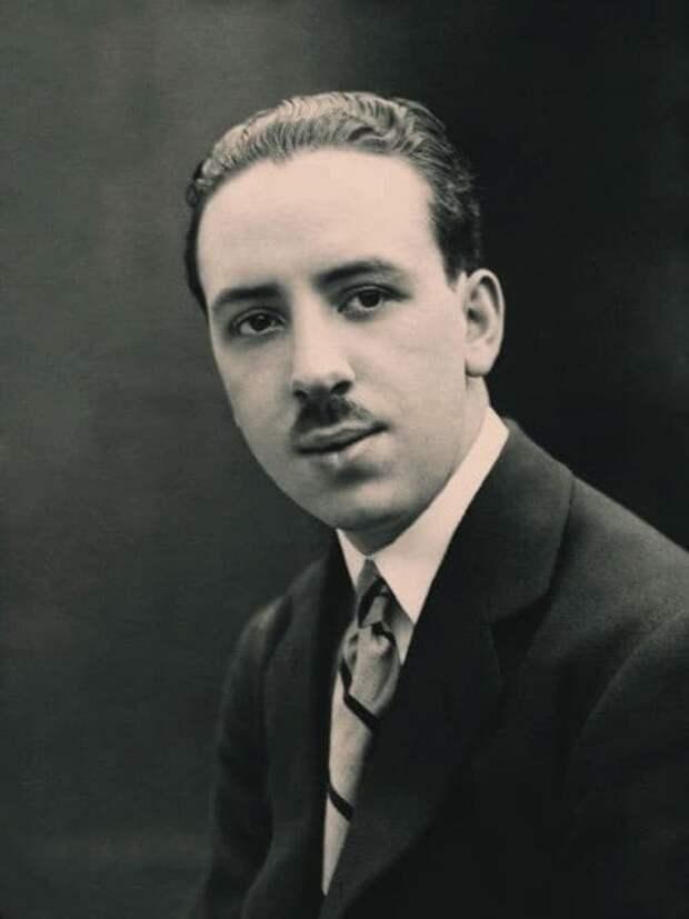 Альфред Хичкок в 1920 году.