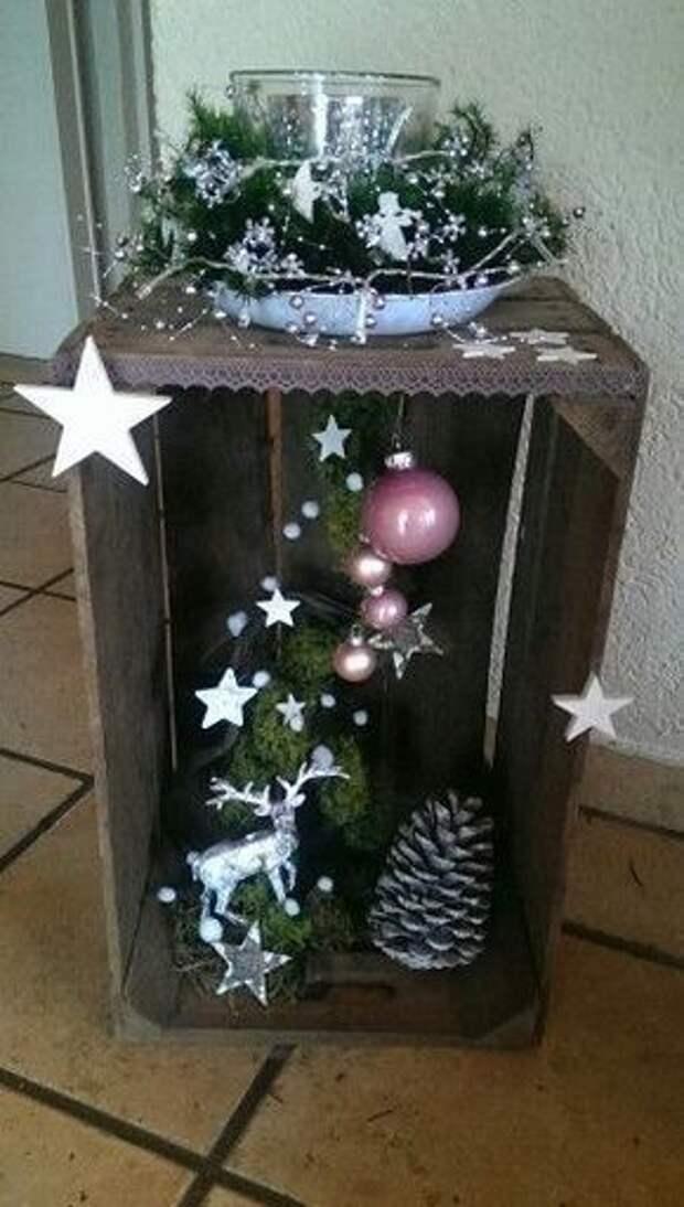 Вместо камина: рождественские композиции из деревянных ящиков