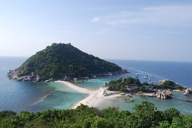 Закрутил курортный роман в Таиланде, хотя приехал с женой