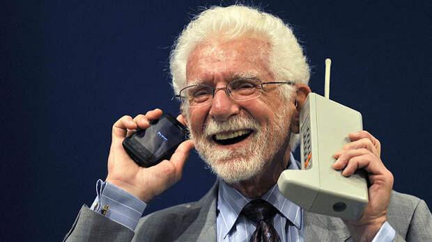 Сегодня исполнилось 48 лет первому сотовому телефону: в США и России отмечают событие снижением цен на смартфоны