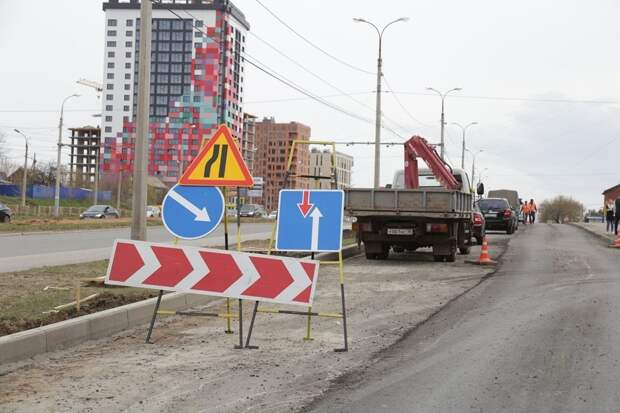 Уложенный в дождь асфальт на улице Бабушкина в Ижевске соответствует нормам