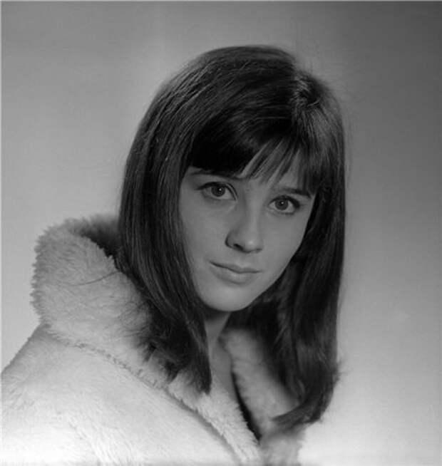 Наталья Варлей в юные годы.