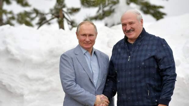 Лукашенко предаст, как только перестанет получать деньги от России