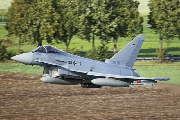 Германия покупает новые истребители, и это не F-35