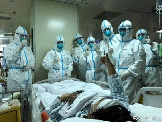 30 фото, показывающих реальность работы врачей в Ухане
