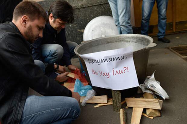 Газ для украинцев становится роскошью: Незалежная переходит к дровам