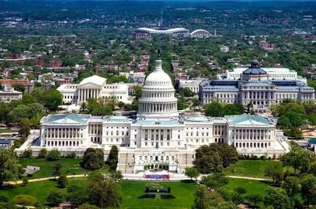 """Американские эксперты назвали Вашингтон """"слишком глупым"""" для победы над Москвой"""