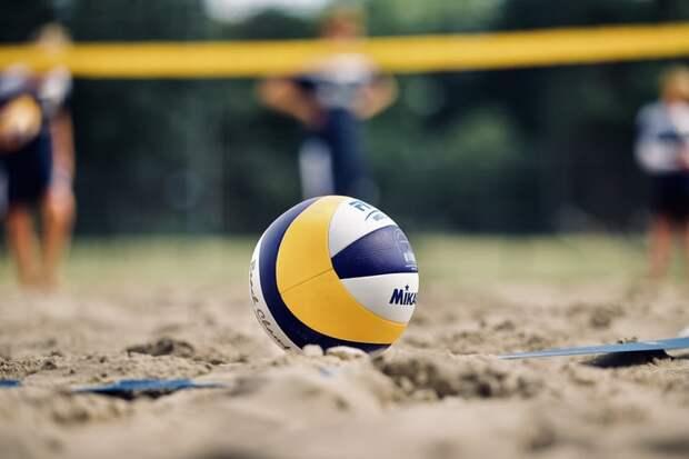 На волейбольной площадке «Перспективы» состоялся районный турнир по волейболу