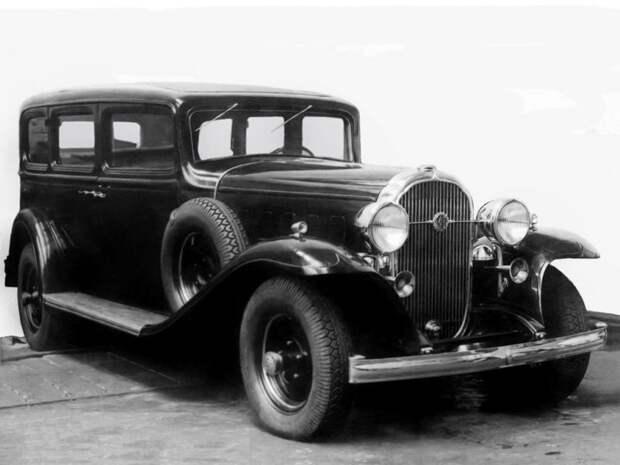 Так выглядела русская версия «Бьюика» — тщательно и добротно скопированный Л-1. Кстати, Л-1 означает «ЛенгипроВАТО-1», то есть первый проект конструкторского бюро завода «Красный Путиловец» ЗИС-101, авто, зис, лимузин, олдтаймер, ретро авто, сталин