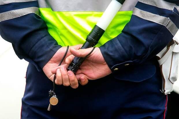 На Первомайском проспекте полицейский автомобиль столкнулся с легковушкой