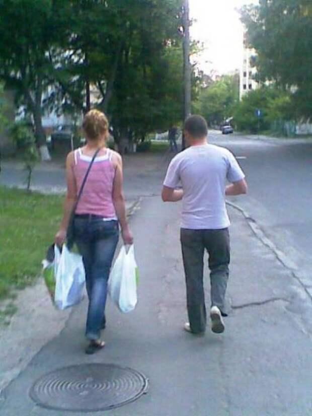 Классика равноправия: больше не должно быть никаких «слишком тяжёлых» для женщин сумок. прикол, равноправие, феминизм, юмор