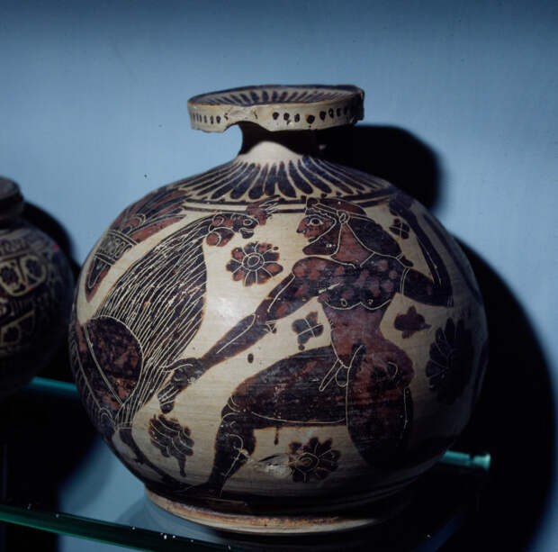 Арибалл использовавшийся для парфюмерии. 600 г. до н.э.