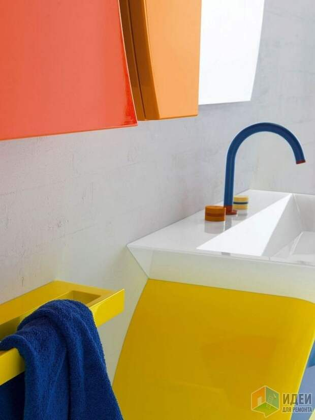 Лаконичные смесители с цветными вставками