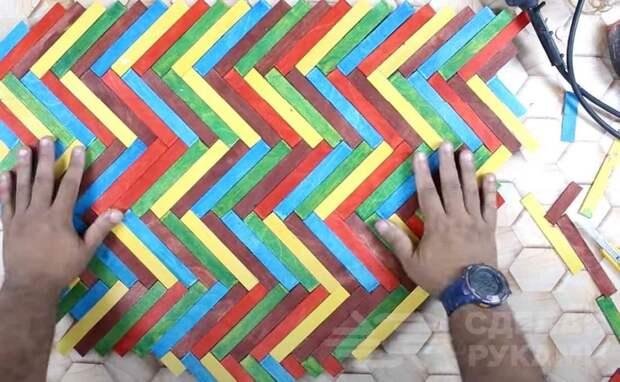 Интересная идея: декоративное покрытие столешницы в виде паркета