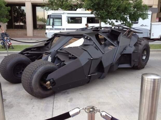 Помимо совершенной системы безопасности, автомобиль оснащен мотоциклом Badpod. авто. интересное, автомир, бронемашины, броня, самые-самые, факты